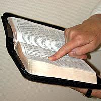 læs bibelen